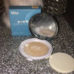 Bliss em 'powder' me powder foundation- NIB